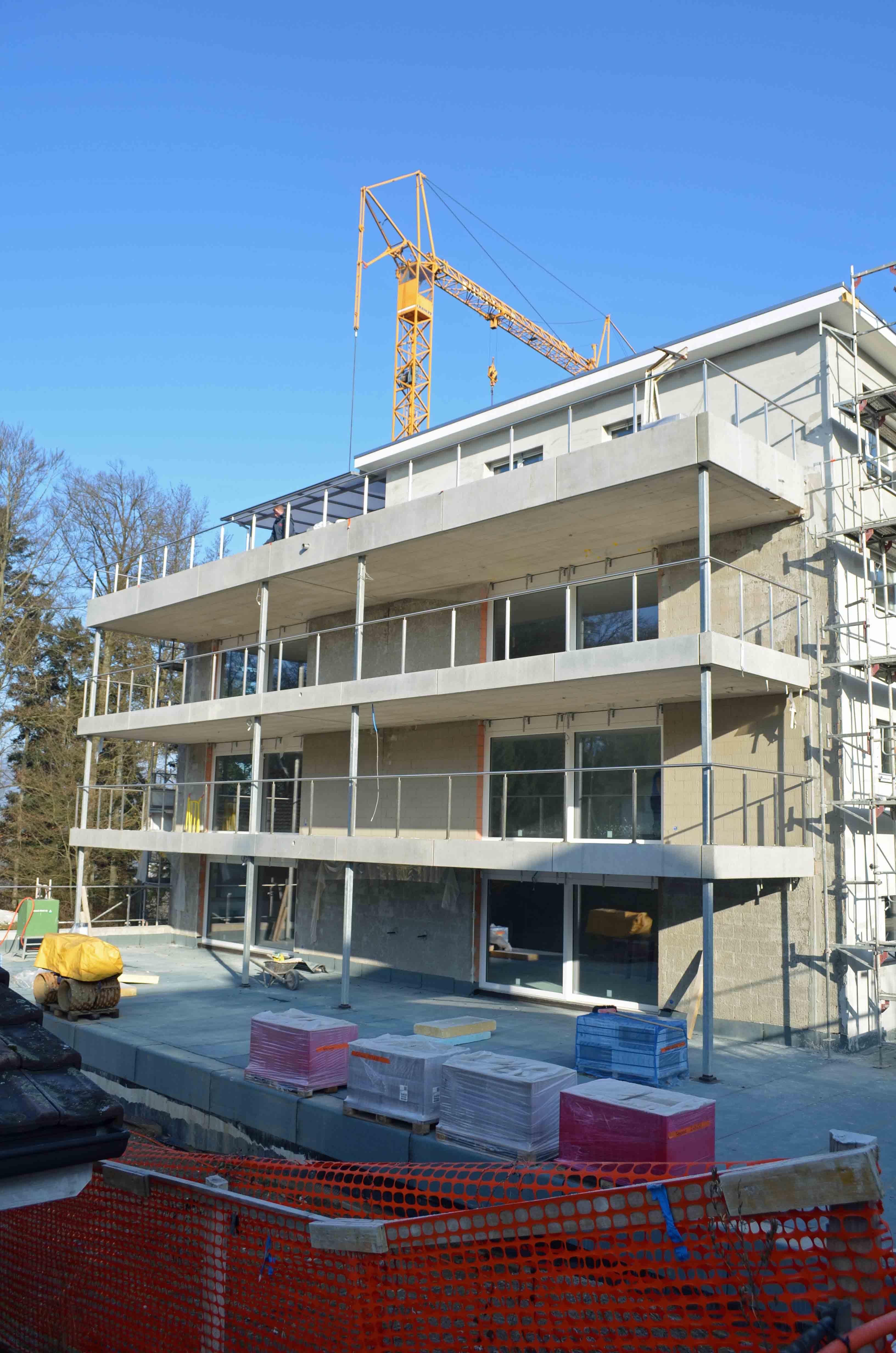 Glash tten neubau mehrfamilienhaus for Mehrfamilienhaus neubau